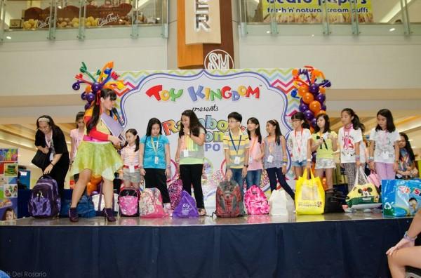 rainbow-loom-expo-11