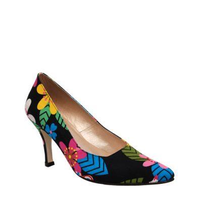 Like Shoes, She Likes Shoes