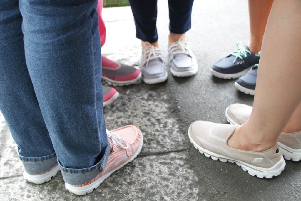 skechers go walk on feet