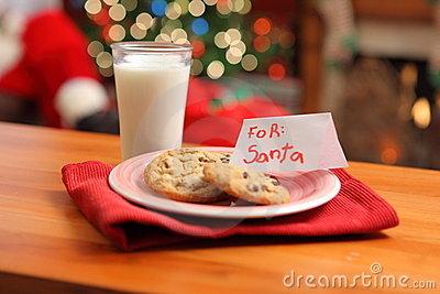 milk-cookies-santa-11259864