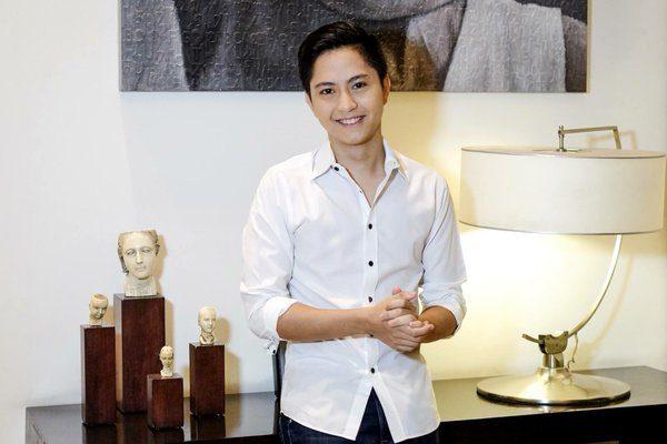 Marcos' Son Claims #DayaangMatuwid