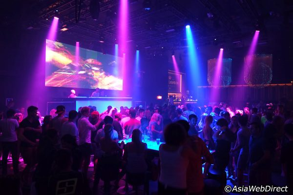 seduction-disco-dance-floor