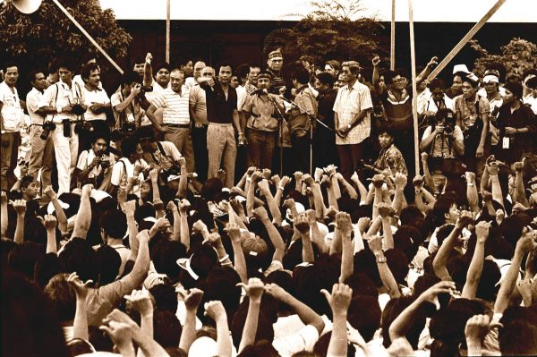 1986-feb-crowd-at-edsa-people-power-revolution-with-former-defense-secretary-juan-ponce-enrile-and-rene-cayetano-roger-margallo